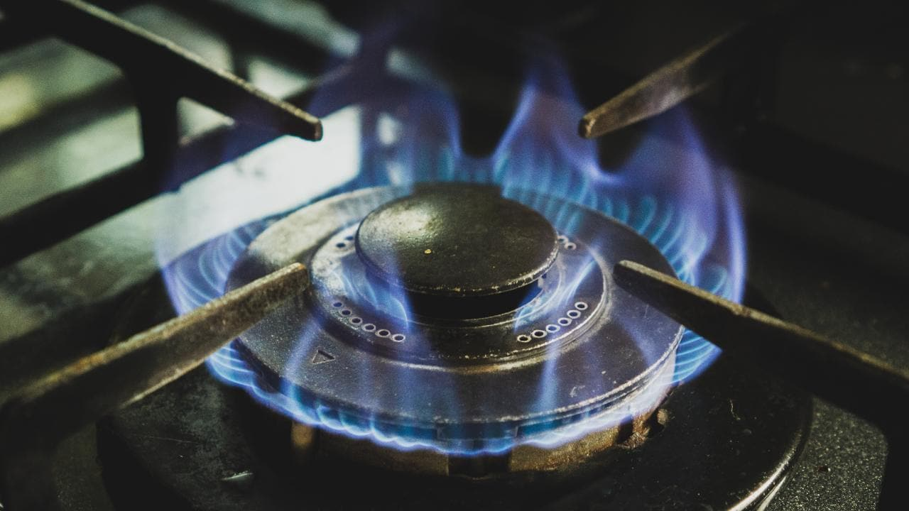 IIT Guwahati researchers develop energy efficient, economical cooking stove technology- Technology News, FP