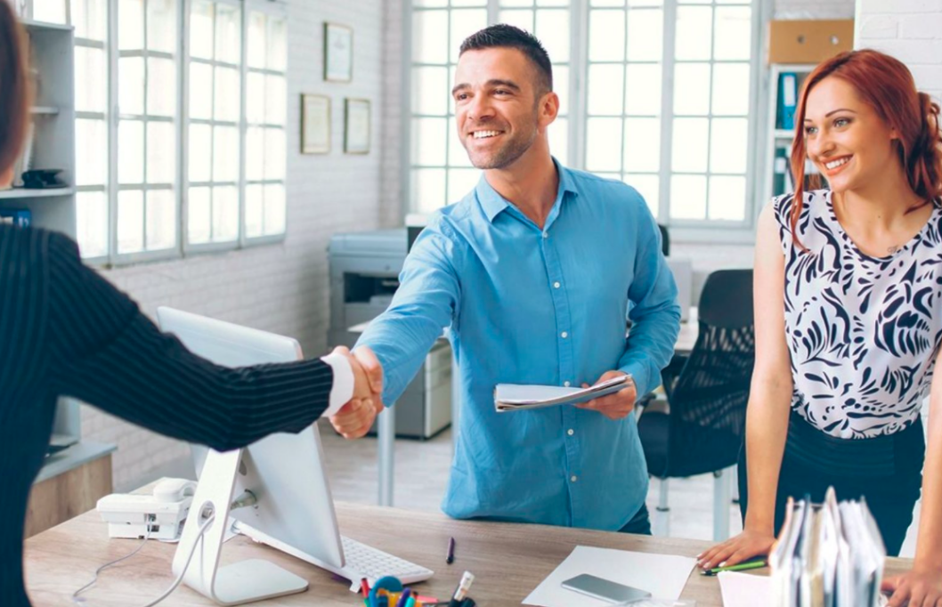 How to Make The Best First Impression With New Clients
