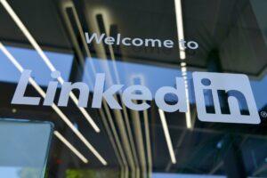How to Use LinkedIn Hashtags