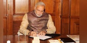 PM Modi asks banks to develop innovative products for startups, fintech