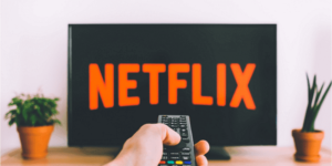 Netflix launches automatic downloads feature