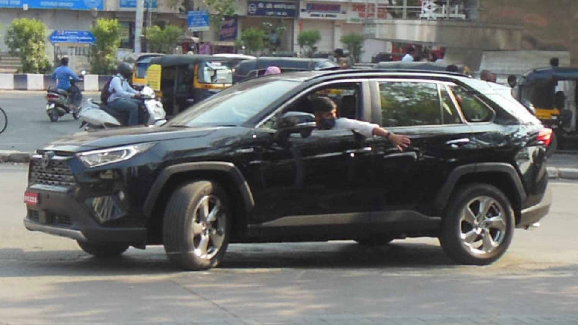 Toyota RAV4 spied on test in India, hybrid SUV has a pure-electric range of 75km- Technology News, FP
