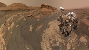 Curiosity rover on Mars shares stunning panorama, selfie with the rocky Mont Mercou- Technology News, FP