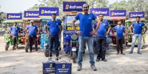 How this Delhi-based startup is solving the charging problem for e-rickshaws by partnering with small stores