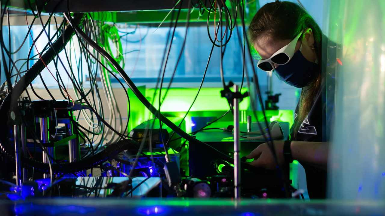 scientists contain world's coldest plasma briefly using magnets- Technology News, FP