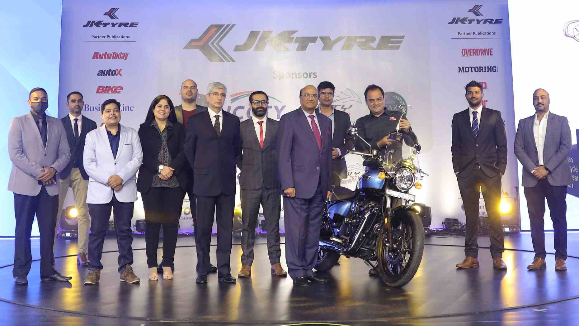 Royal Enfield Meteor 350 crowned Indian Motorcycle of the Year 2021, pips seven bikes to the title- Technology News, FP