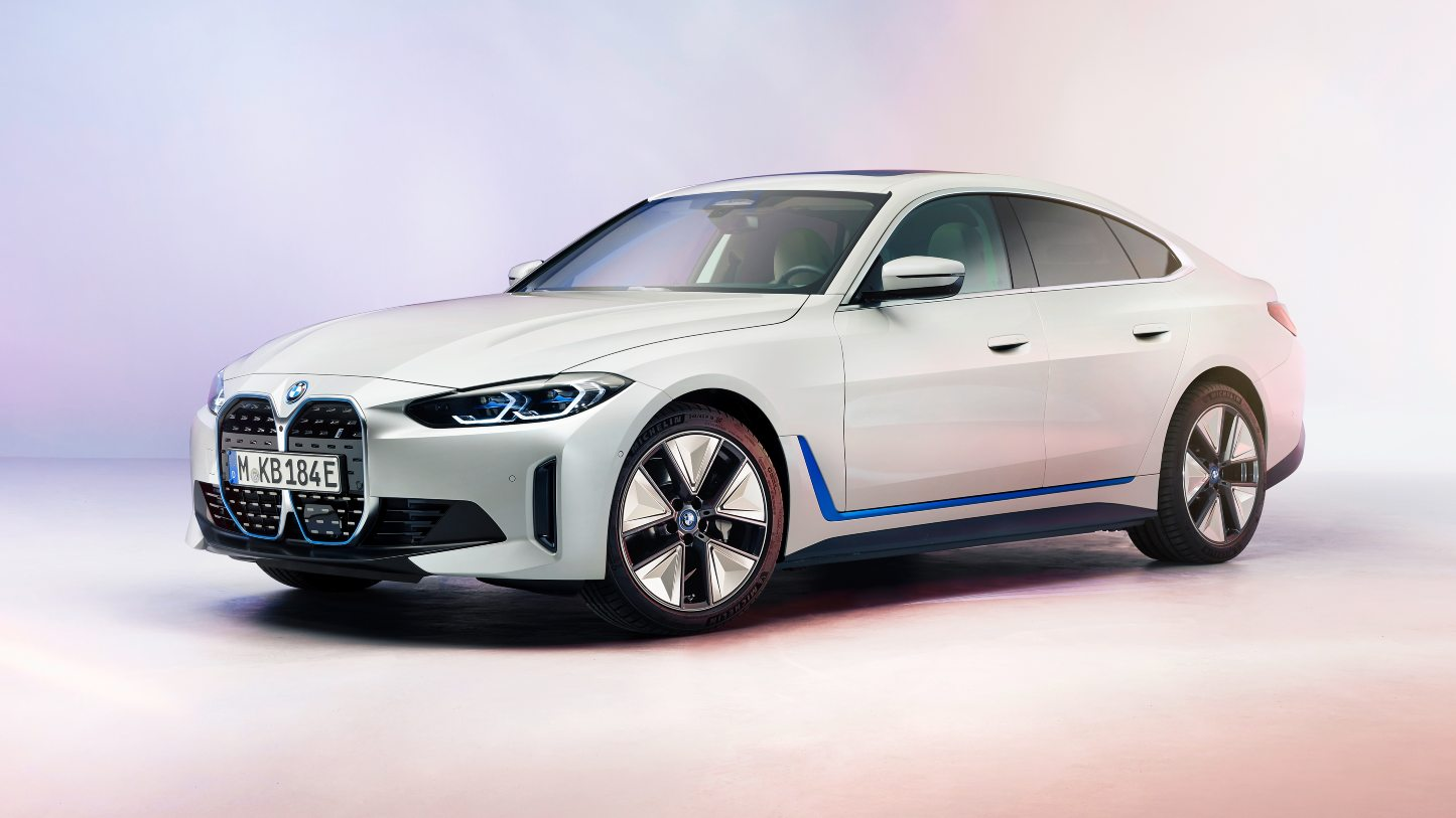 BMW i4 electric four-door coupe showcased in production form, to have a range of 590 kilometres- Technology News, FP