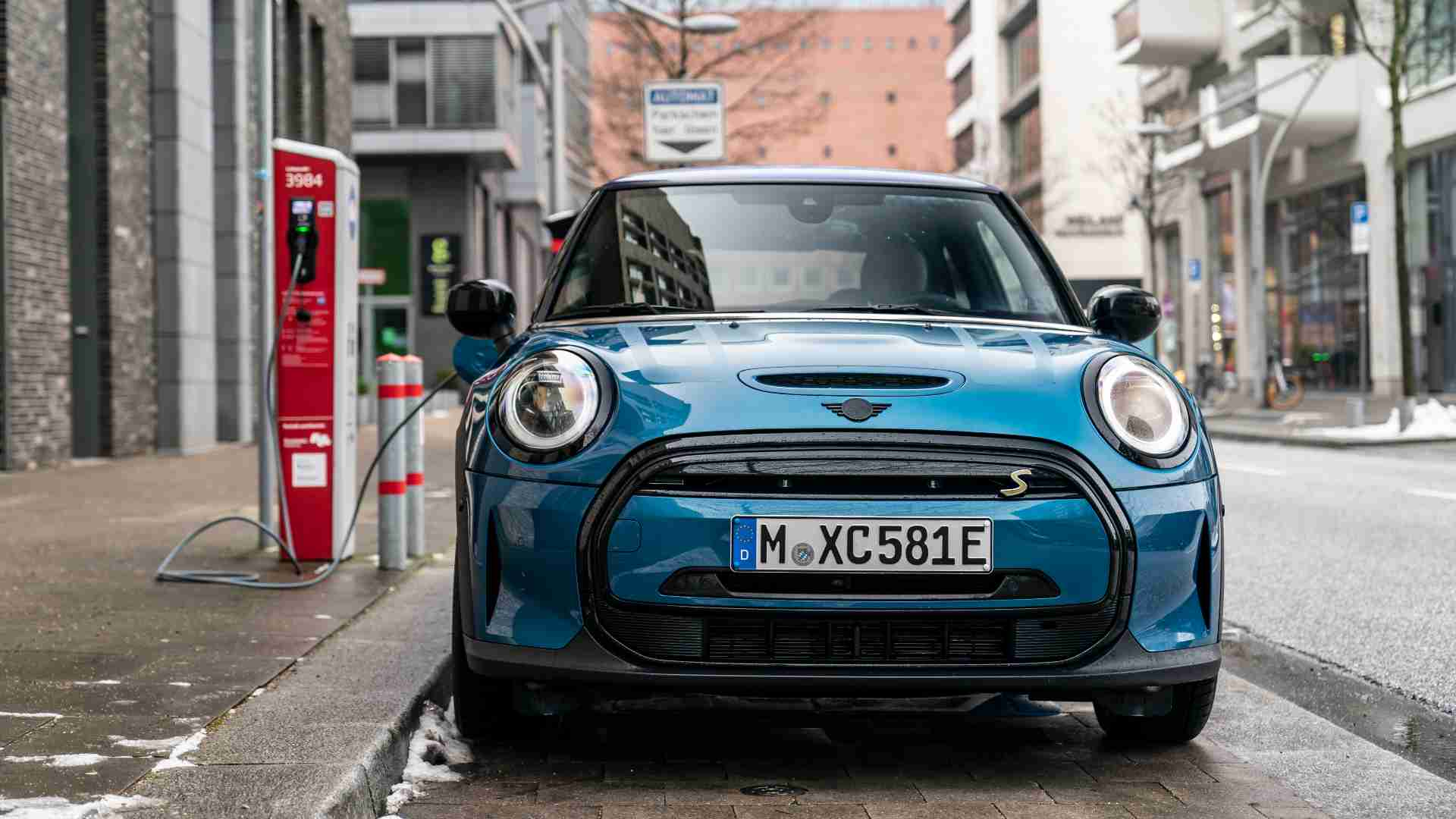 Mini to go all-electric by the 'early 2030s', will roll out its final new ICE model in 2025- Technology News, FP