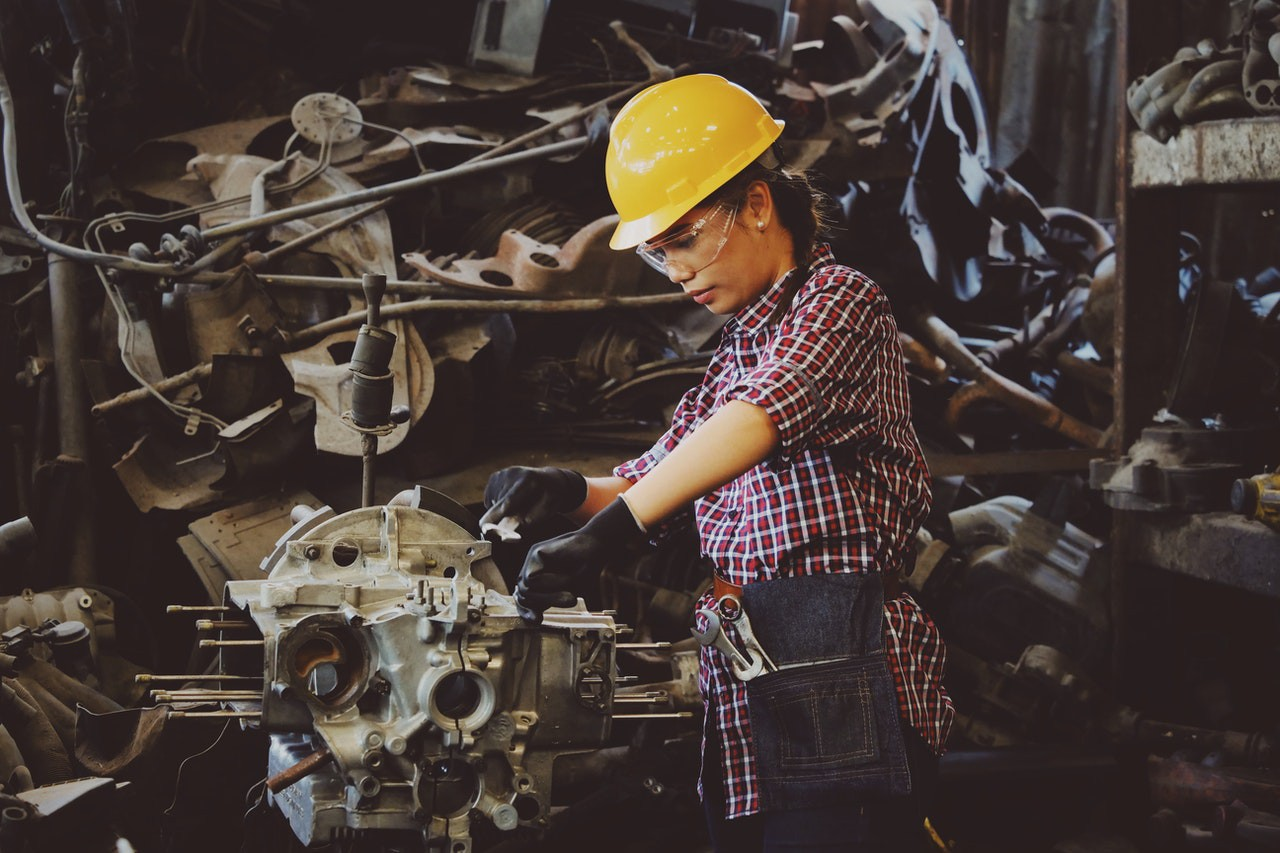 Women: Put Safety First & Enlighten Yourself About Workplace Accidents