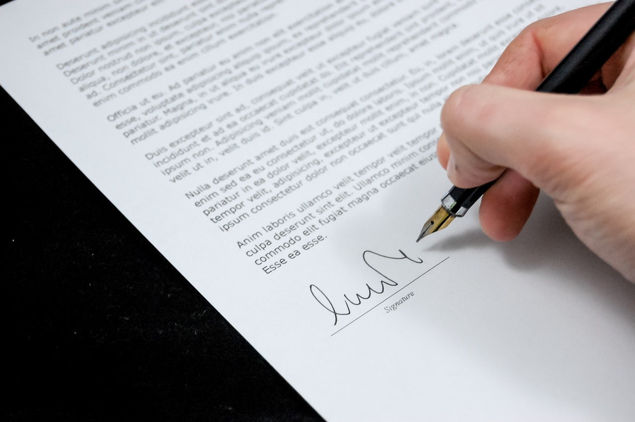 Running a Business in Philadelphia? Take Care of Employee Contracts