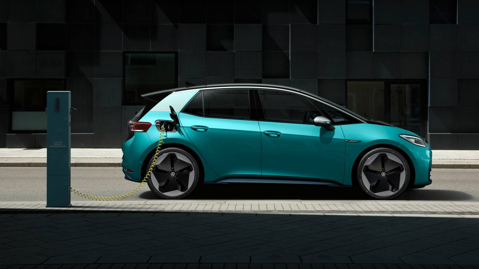 Volkswagen aims to halve battery costs with new single-cell format, will open six gigafactories- Technology News, FP