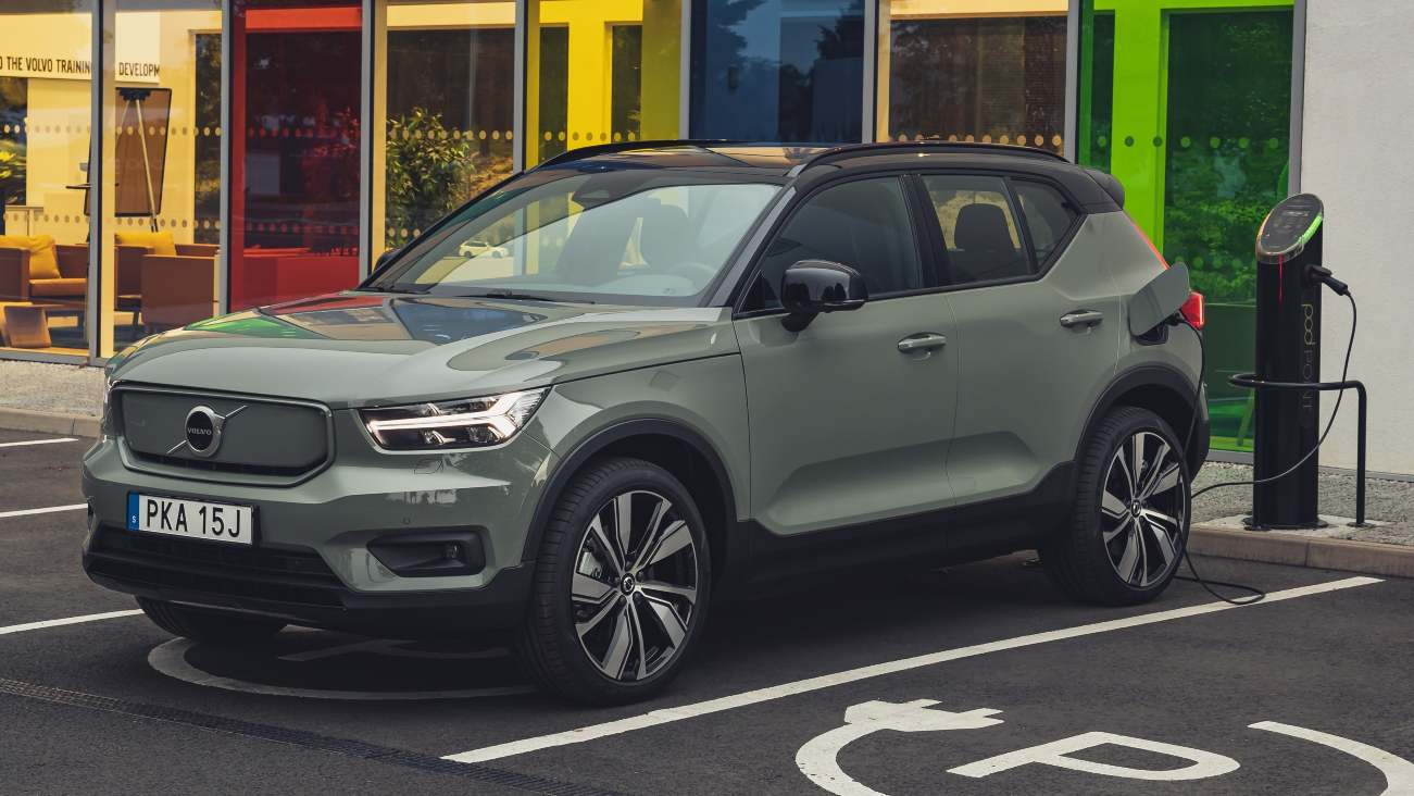 Volvo goes all-in on electric cars and online sales, to phase out all ICE vehicles by 2030- Technology News, FP