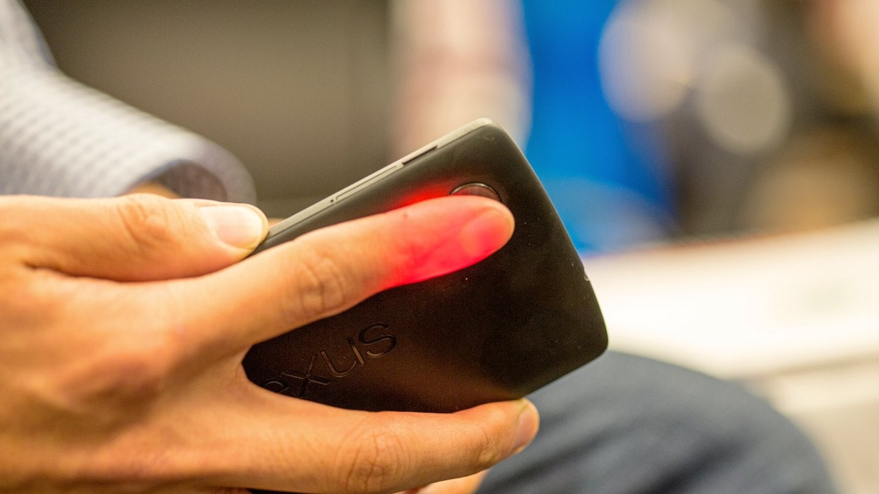 Smartphone-based tool MFine Pulse can monitor blood oxygen using just a finger and a flash
