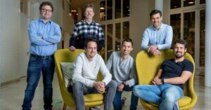 Amsterdam's e-commerce scaleup Dwarfs raises €7.5M as it aims at 20 acquisitions this year; acquires AMCO