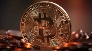 RBI says banks can't stop customers from dealing in virtual currencies, must not cite April 2018 order- Technology News, FP