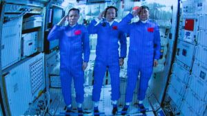 China's three astronauts safely dock with Tiangong-3, begin life in space- Technology News, FP