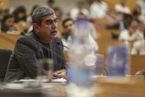 SoftBank Vision Fund 2 leads $140M funding in Vishal Sikka's Vianai – TechCrunch