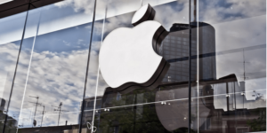 Apple eases App Store rules again, to allow outside signups
