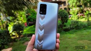 Realme 8 5G packed in a blue box!- Tech Reviews, FP