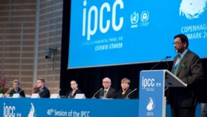 History of IPCC, the international body that reviews climate change effects-World News , FP