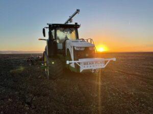 John Deere buys autonomous tractor startup Bear Flag Robotics – TechCrunch